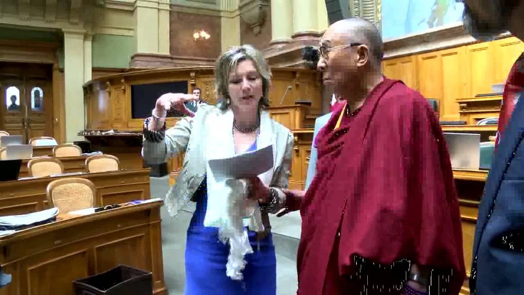 Zum ersten Mal besuchte der Dalai Lama das Schweizer Bundeshaus