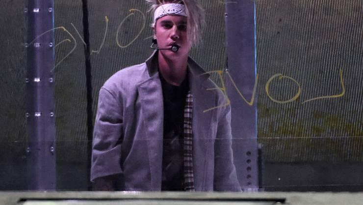 Sucht er nach Ausreden, um seine Fans nicht mehr treffen zu müssen? Justin Bieber erklärt, die Fan-Treffen seien emotional belastend für ihn. (Archivbild)