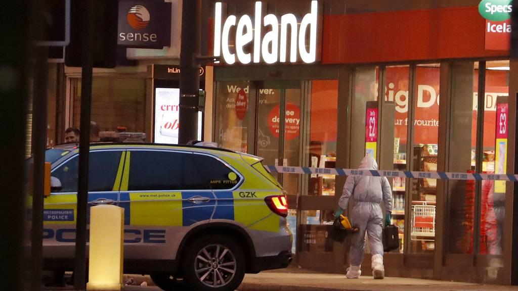 Mutmasslicher Terrorist sticht auf Passanten in London ein