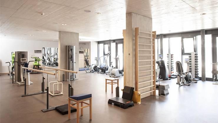 Im Erdgeschoss befindet sich der grosszügige Trainings- und Therapieraum.