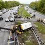 Der Schulbus-Unfall ereignete sich auf einer Autobahn in Mount Olive rund 80 Kilometer westlich der US-Metropole New York.