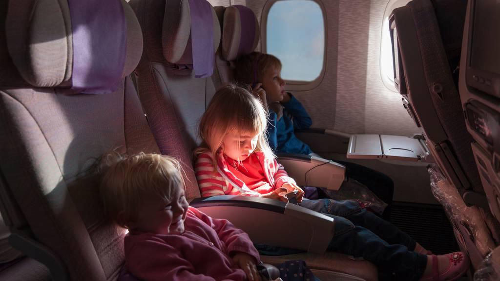 Im Flieger endlich nicht mehr neben Babys sitzen