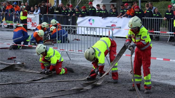 Voller Einsatz des Teams der Jugendfeuerwehr Sarmenstorf an der Schweizer Meisterschaft. zvg