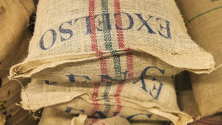 Der Bundesrat stellt die Pflichtlagerhaltung von Kaffee in Frage.