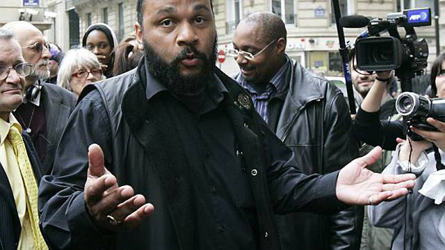 Hetzt in seinen Programmen gegen Juden: Dieudonné in Paris