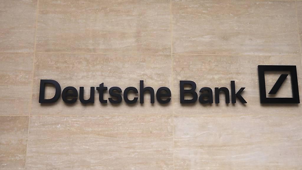 Umbau brockt Deutscher Bank erneut Verlust ein