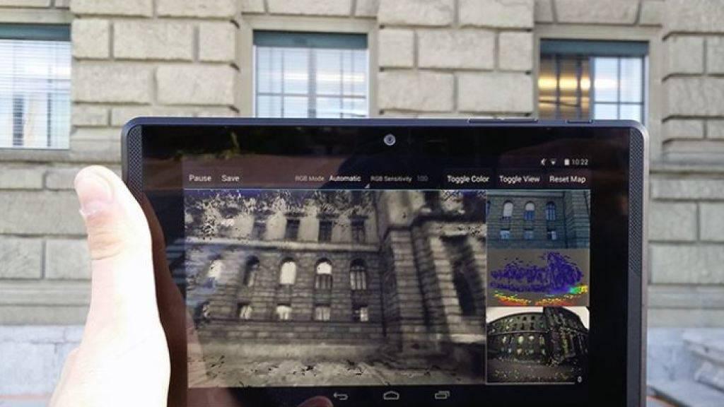 Mittels eines speziell ausgerüsteten Tablets und einer neu entwickelten Software lassen sich Bauwerke wie das ETH-Hauptgebäude in wenigen Minuten als 3D-Modell abbilden.