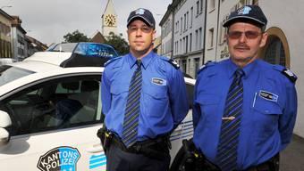 Paul Kim (rechts) ist neu Postenchef 1 des Polizeikreises Klingnau und Bad Zurzach, Martin Longo Postenchef 2.