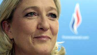 Marine Le Pen war vergangenen Samstag in Moskau und sicherte Putin ihre Unterstützung zu.AP/Keystone