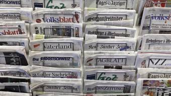 Die meisten Schweizer Zeitungen verlieren dieses Jahr Inserate-Einnahmen. (Symbolbild)