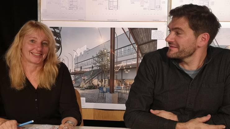 Gisela Roth und Oliver Dredge bei der Präsentation des Siegerprojekts am Montag.