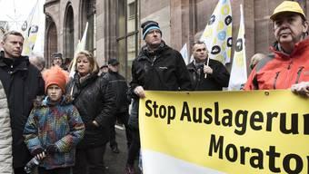 Im November wurde gegen die Hauptpost-Schliessung demonstriert, nun bleibt sie den Baslern noch ein wenig erhalten. Um genau zu sein: Mindestens ein Jahr und einen Tag lang länger als bisher angekündigt.