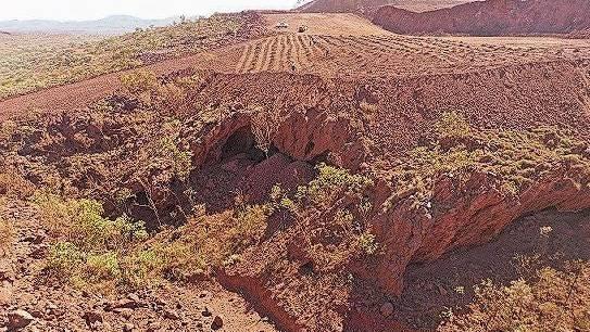 Rio Tinto sprengte zwei Höhlen, um eine Eisenerzmine zu erweitern.