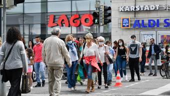 Inzwischen sind zehn Schweizer Kantone auf der deutschen Risikoliste. Für Schweizer aus Grenzregionen bleibt das Einkaufen ennet der Grenze ohne Quarantäne oder Coronatest trotzdem möglich.