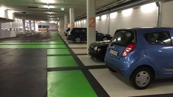 Neben der Parkplatzbreite sind Farben sehr wichtig: Kasernen-Parking.