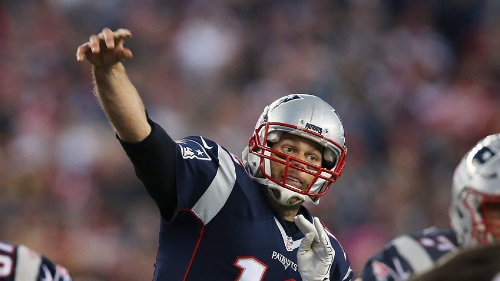 Perfekte Präzision: Tom Brady wirft einen seiner zwei Touchdown-Pässe gegen Kansas City