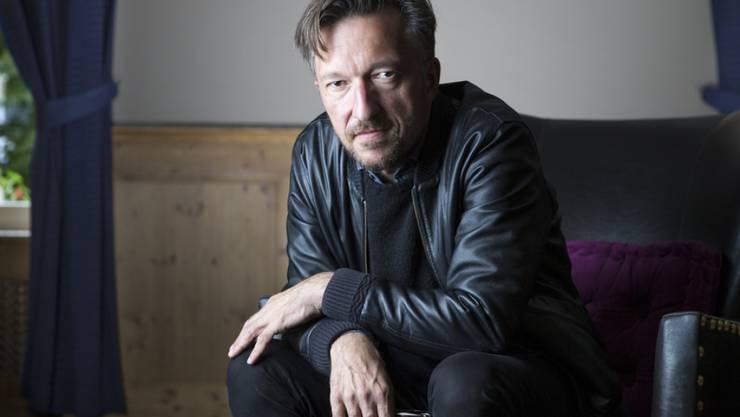 Der Schweizer Schriftsteller Lukas Bärfuss übt öffentlich Kritik am Schweizer Buchpreis. Im Wesentlichen unterstellt er der Jury mangelnde Abhängigkeit. (Archivbild)
