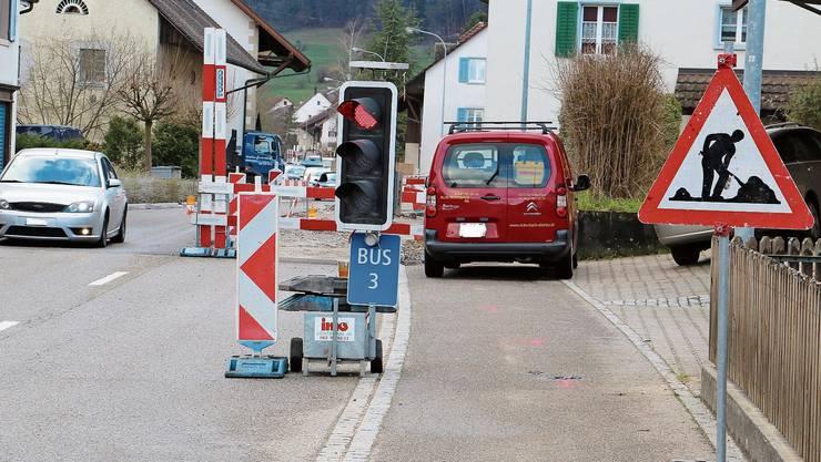 In der Nacht auf den 1. März haben Unbekannte die Lichtsignalanlage in Wittnau an der Baustelle ausser Betrieb gesetzt.
