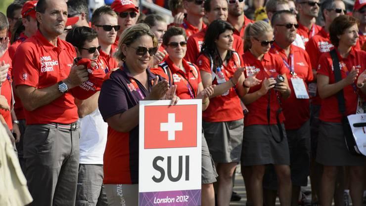 Die Schweizer Delegation (links Gian Gilli) wird begrüsst