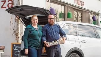 Romina und Christoph Ettisberger vor ihrem Restaurant «Piazza». Das Bild wurde im Februar 2020 gemacht - vor der Coronakrise.