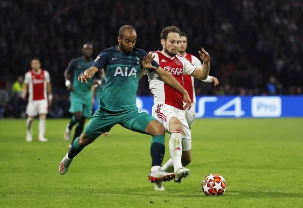Wollen wieder für Überraschungen sorgen: Ajax mit Daley Blind, hier im Duell mit Tottenham-Stürmer Lucas Moura.