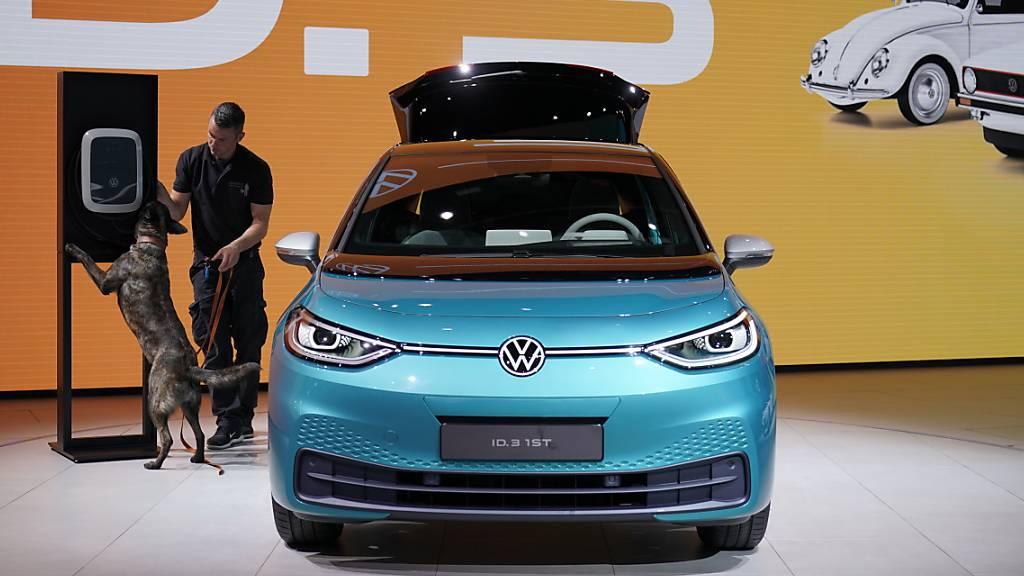 VW steigt in Batteriezellfertigung ein - Pilotanlage läuft