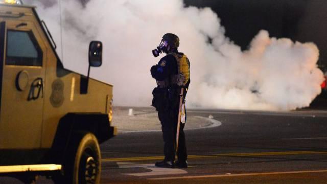 Die Polizei setzte Tränengas und Blendgranaten ein