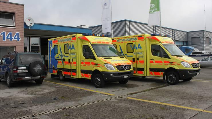 Grenchner Ambulanzen vor der Basis an der Lebernstrasse.