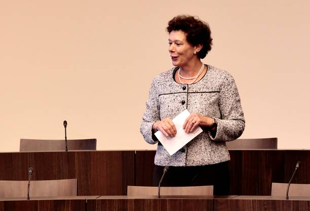Frau Landamann Esther Gassler fokussierte sich in ihrer Rede vor den  Jugendlichen auf das Milizsystem