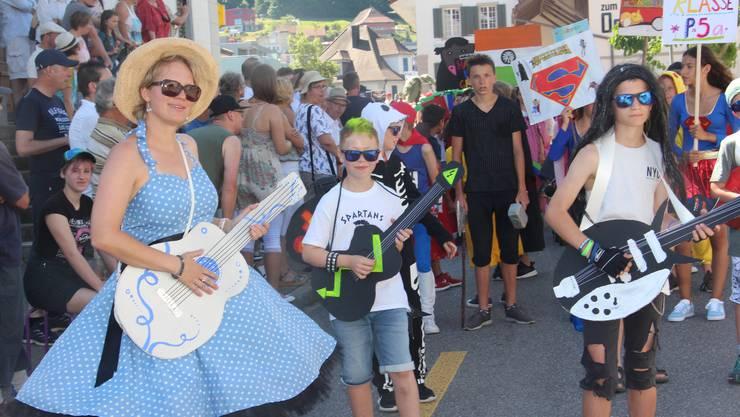 Rock'n'Roll am Jugendfestumzug