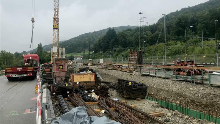 Die Fundamente für das neue Parkhaus am Bahnhof Stein-Säckingen sind erstellt. Die Bauarbeiten laufen bis jetzt nach Plan.