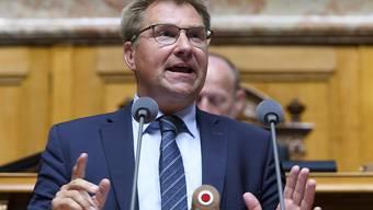 Toni Brunner (SVP/SG) wirbt im Nationalrat für die Selbstbestimmungsinitiative der SVP. Der Bundesrat und das Parlament empfehlen dem Stimmvolk, diese abzulehnen.