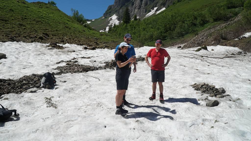 Tag 4: Hoch hinaus über Schneefelder bis zum Klöntalersee