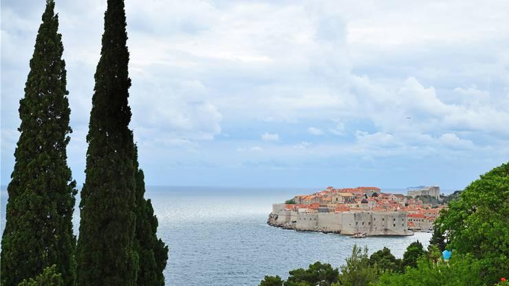 Wie ein Prellbock ragt die Altstadt von Dubrovnik ins Adriatische Meer. Seit der ersten Staffel der US-Serie «Game of Thrones», die hier gedreht wurde, sind die Besucherzahlen explodiert. Samuel Schumacher