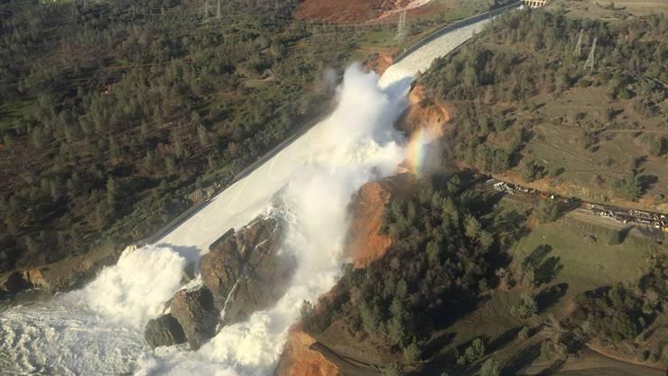 Am Oroville-Staudamm droht eine Flutkatastrophe.