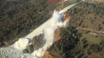 Drohende Flutkatastrophe am Oroville-Staudamm