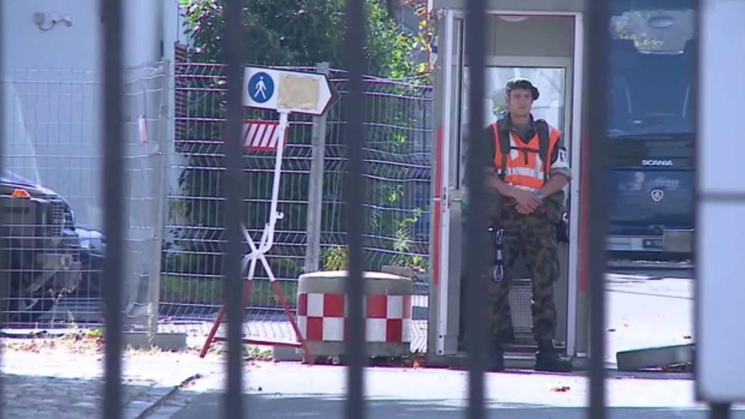 Was ist mit der Schweizer Armee los?