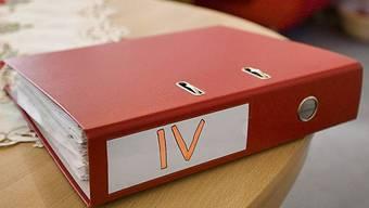 Etwas mehr als 100 IV-Fälle befinden sich in laufender Überprüfung (Symbolbild)