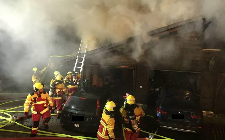 Die Feuerwehren aus St.Gallen und Feldkirch (Ö) mussten helfen. / Bild: Landespolizei Liechtenstein