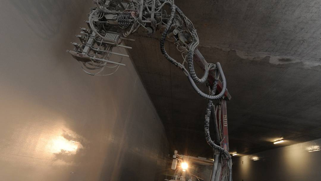 Spritzmaschine für die Tunnelwände