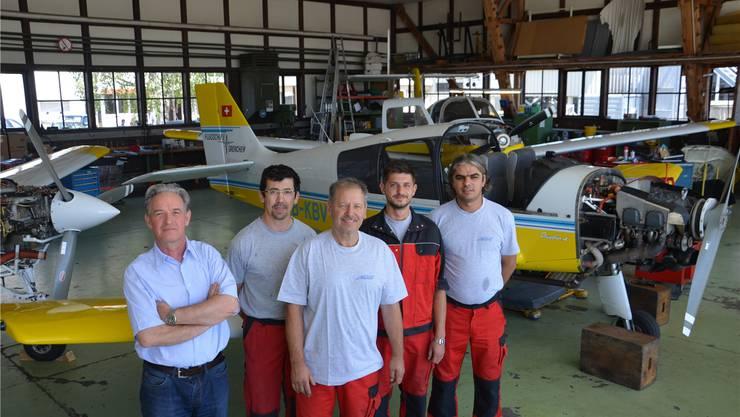 Das Team der Mécanair Grenchen, von links: Pierre-André Rossier, Vincent Paccelieri, René Vock, Chester Naegeli und Yasen Kostadinov. Es fehlt Matthieu Mühlhauser.