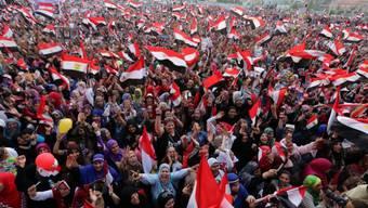 Anhänger von al-Sisi bejubeln am Dienstag in Kairo das Wahlergebnis