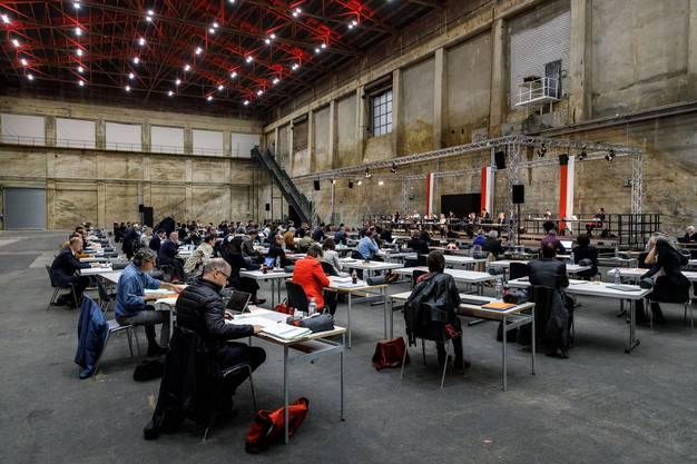 Dieses Mal tagt das Parlament in der Kiesofenhalle auf dem Attisholz-Areal.