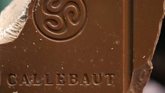 Ein Stück Schokolade des Herstellers Barry Callebaut (Archiv)
