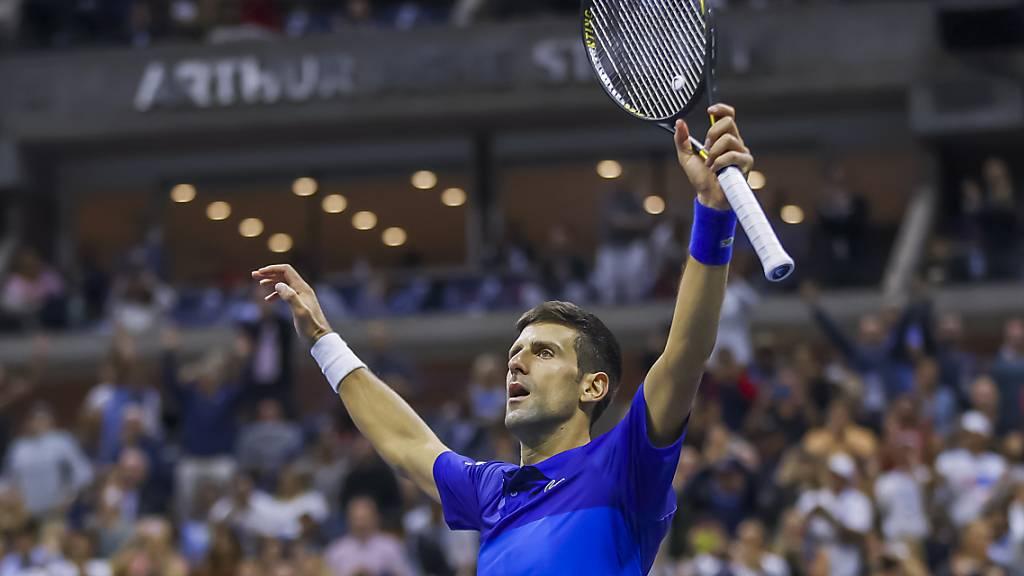 Novak Djokovic könnte mit einem Sieg am Sonntag gegen Daniil Medwedew Tennis-Geschichte schreiben