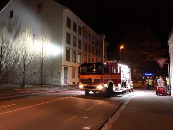Die Feuerwehr war mit einem Grossaufgebot im Einsatz.