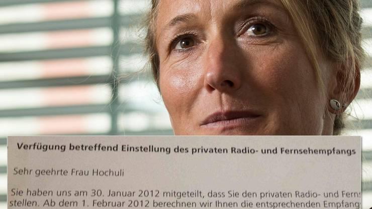 Susanne Hochuli kämpft seit Jahren gegen die Billag-Gebühren. Im Januar 2012 meldete sich Hochuli mit einem Schreiben von der Billag ab - die dann mit einer Verfügung reagiert.