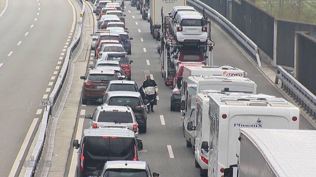 SVP fordert mehr Autobahnen für Klimaschutz