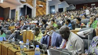 Ruandas Parlament hatte bereits am 14. Juli entschieden, dem Präsidenten Kagame eine weitere Amtszeit zu erlauben - nun soll das Volk dazu befragt werden. (Archiv)