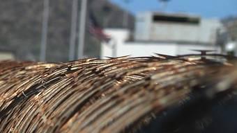 Das US-Gefangenenlager auf Kuba ist von Stacheldraht umgeben (Archiv)